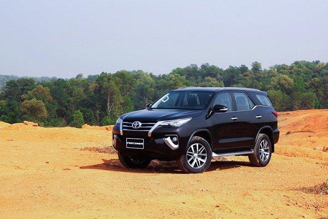 Không giảm giá, Toyota Fortuner vẫn bán gần 2.000 xe trong tháng 8.