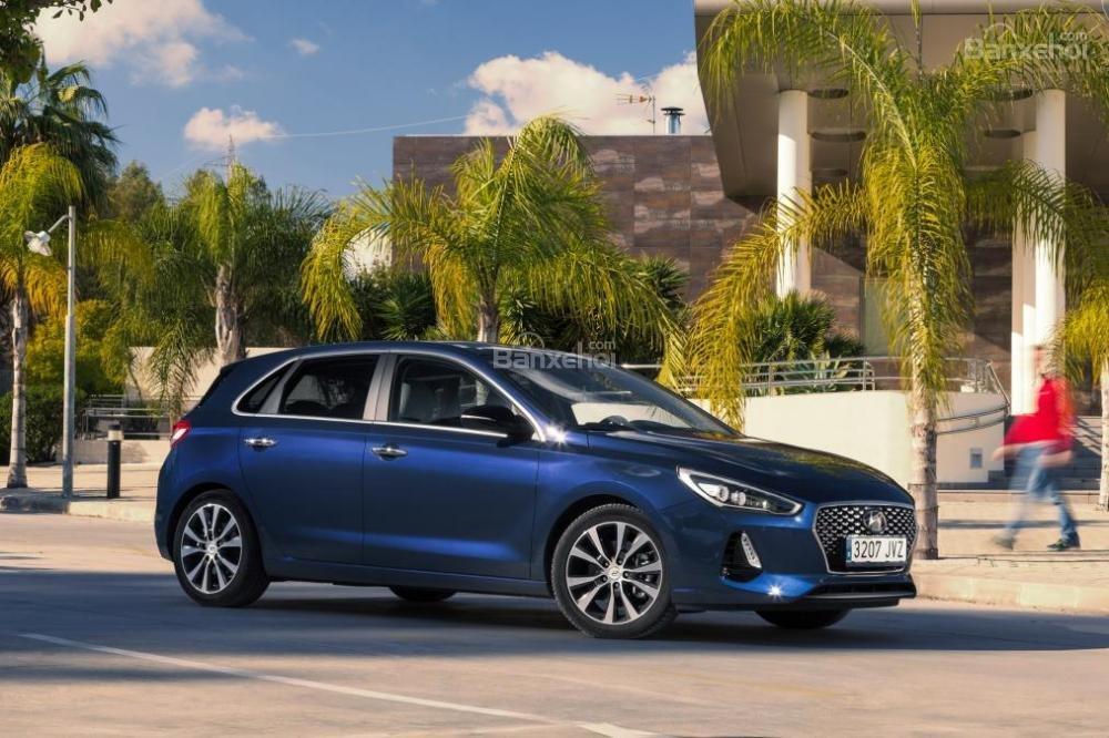 Đánh giá xe Hyundai i30 2017 1
