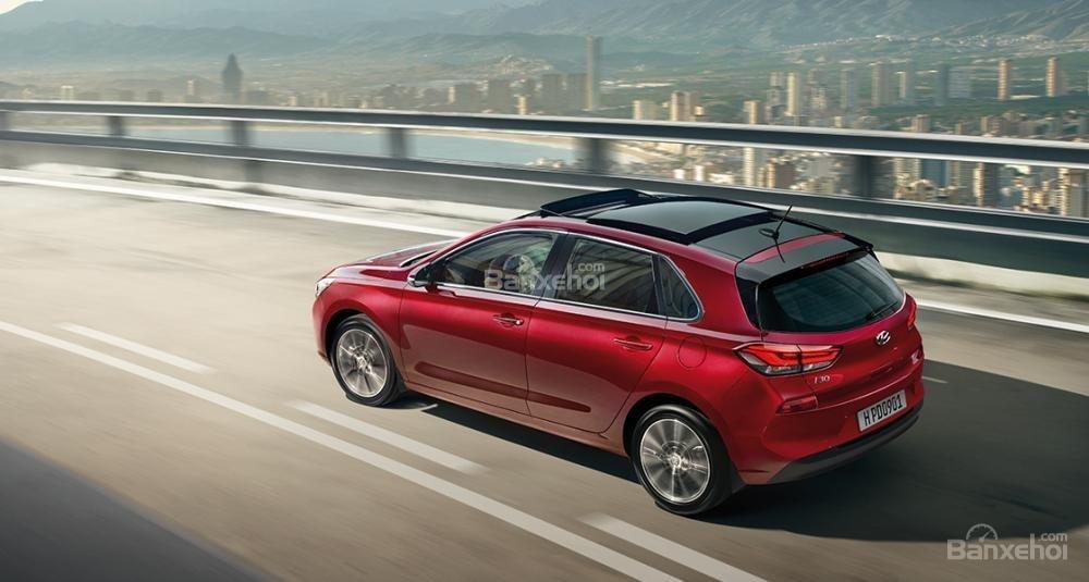 Đánh giá xe Hyundai i30 2017