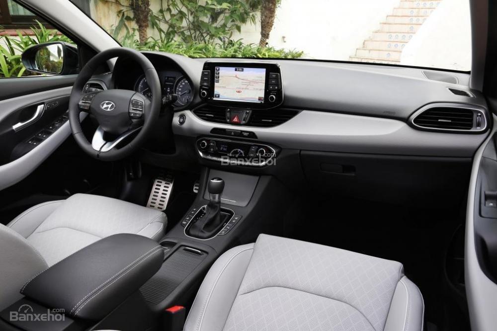 Bảng táp-lô xe Hyundai i30 2017