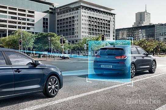 Đánh giá xe Hyundai i30 2017 về trang bị an toàn a4