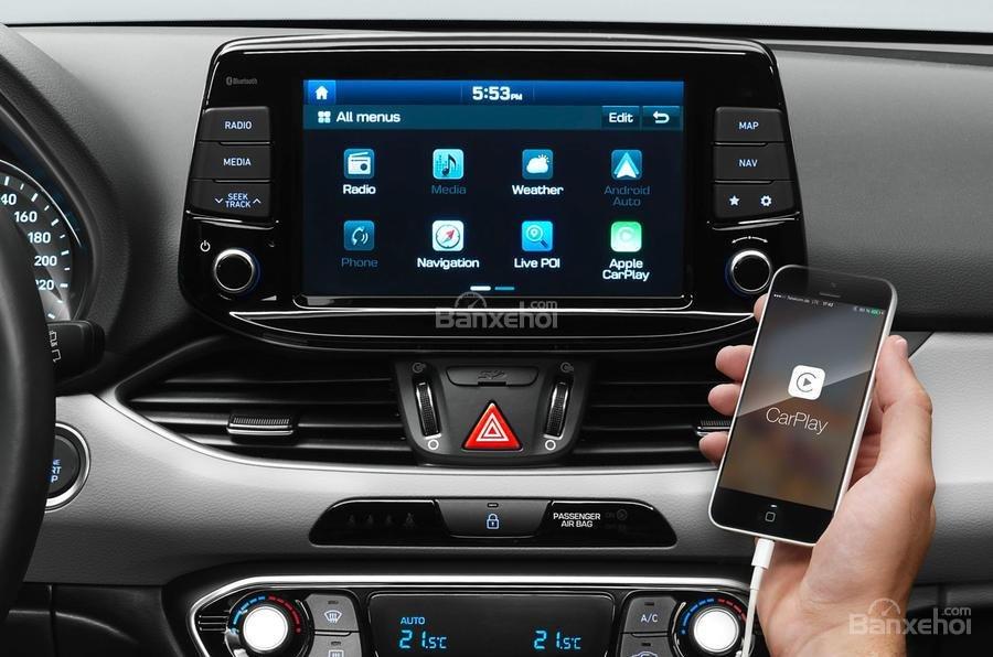 Đánh giá xe Hyundai i30 2017 về trang bị tiện nghi 2