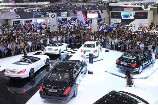 Trước khi thuế nhập khẩu ô tô về 0%, mẫu xe nào giảm giá nhiều nhất? a1