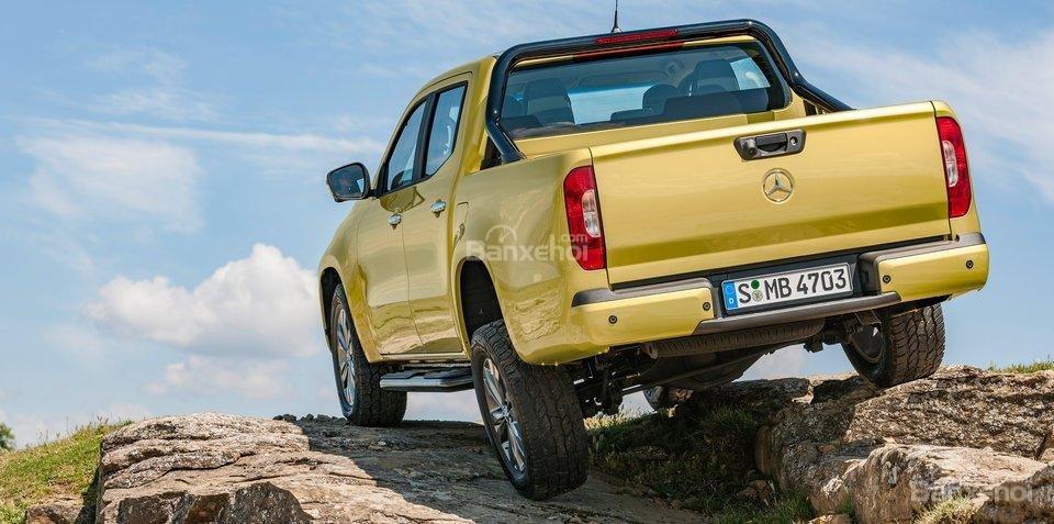 BMW đánh giá mẫu bán tải Mercedes X-Class gây thất vọng 2