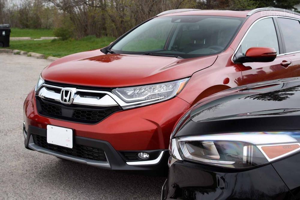 So sánh xe Honda CR-V 2017 và Hyndai Tucson 2017 về hệ thống đèn chiếu sáng.