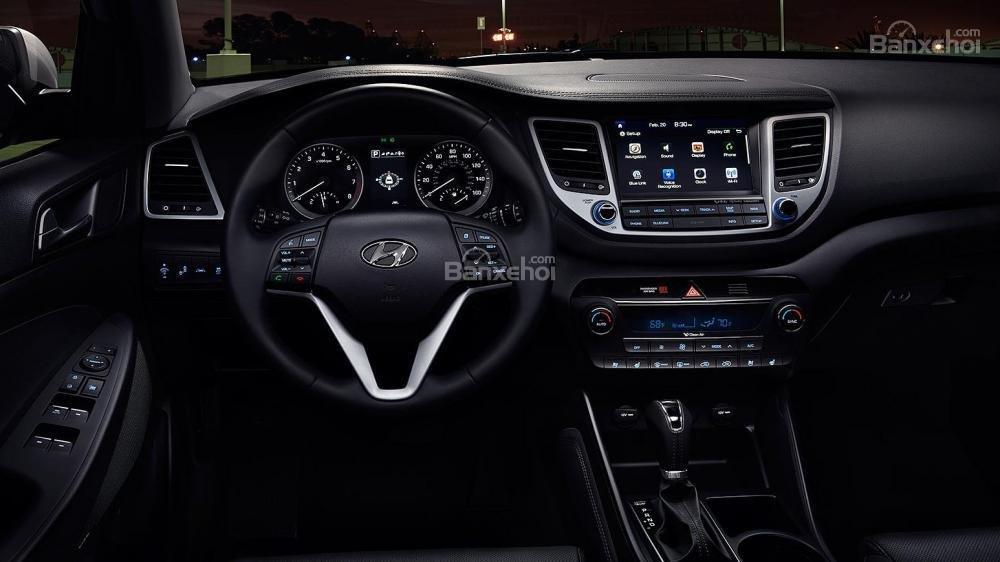 Thiết kế nội thất Honda CR-V 2017 bắt mắt hơn hẳn đối thủ Hyundai Tucson 2017 a2