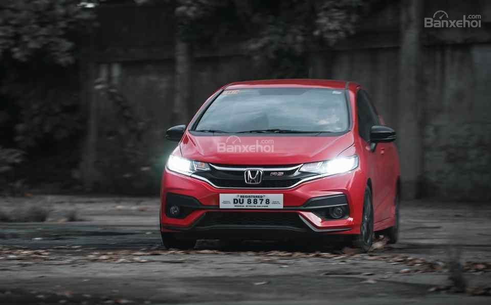 Đánh giá xe Honda Jazz/Fit 2018: Xe có khả năng xử lý tốt.