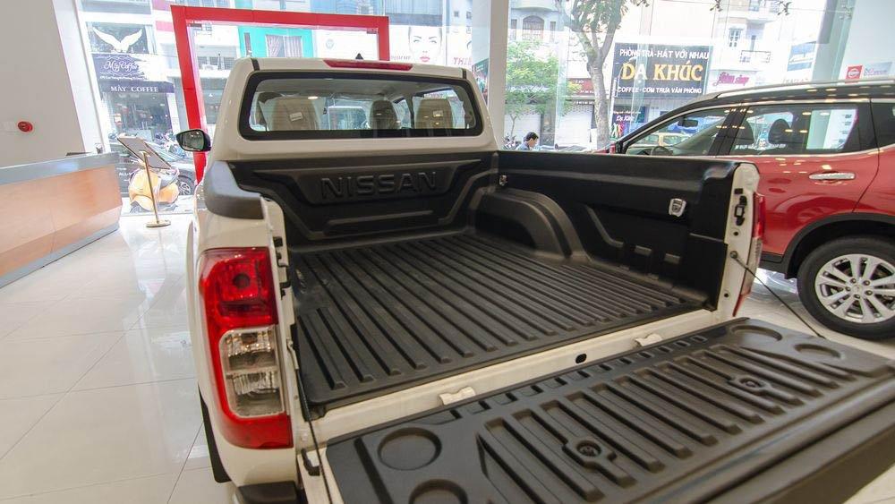 Hình ảnh thùng xe Nissan Navara 2017