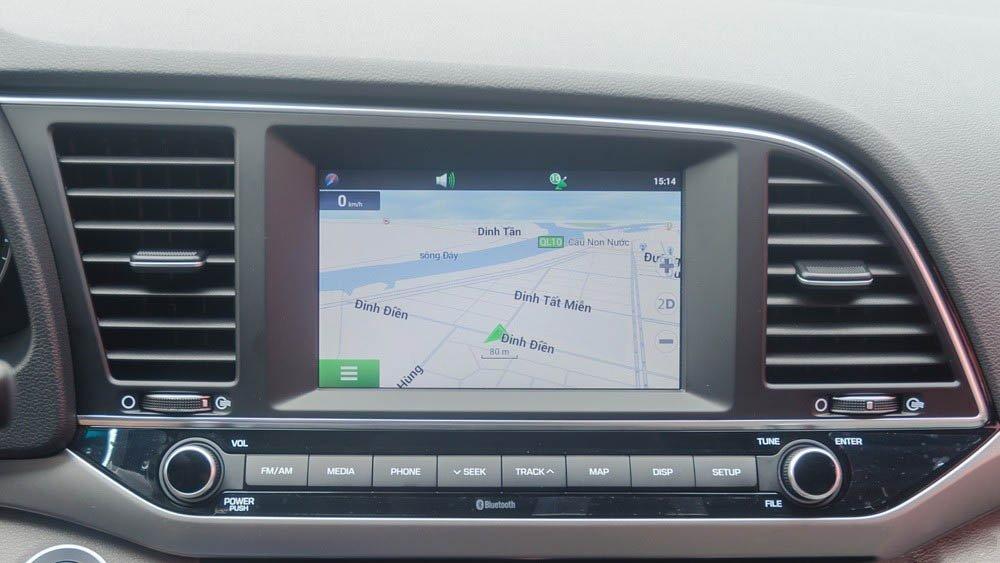 Hình ảnh màn hình cảm ứng của xe Hyundai Elantra 2017