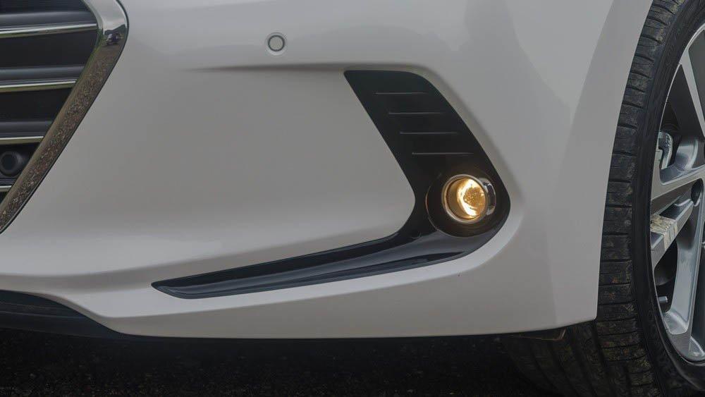 Hình ảnh đèn sương mù xe Hyundai Elantra 2017