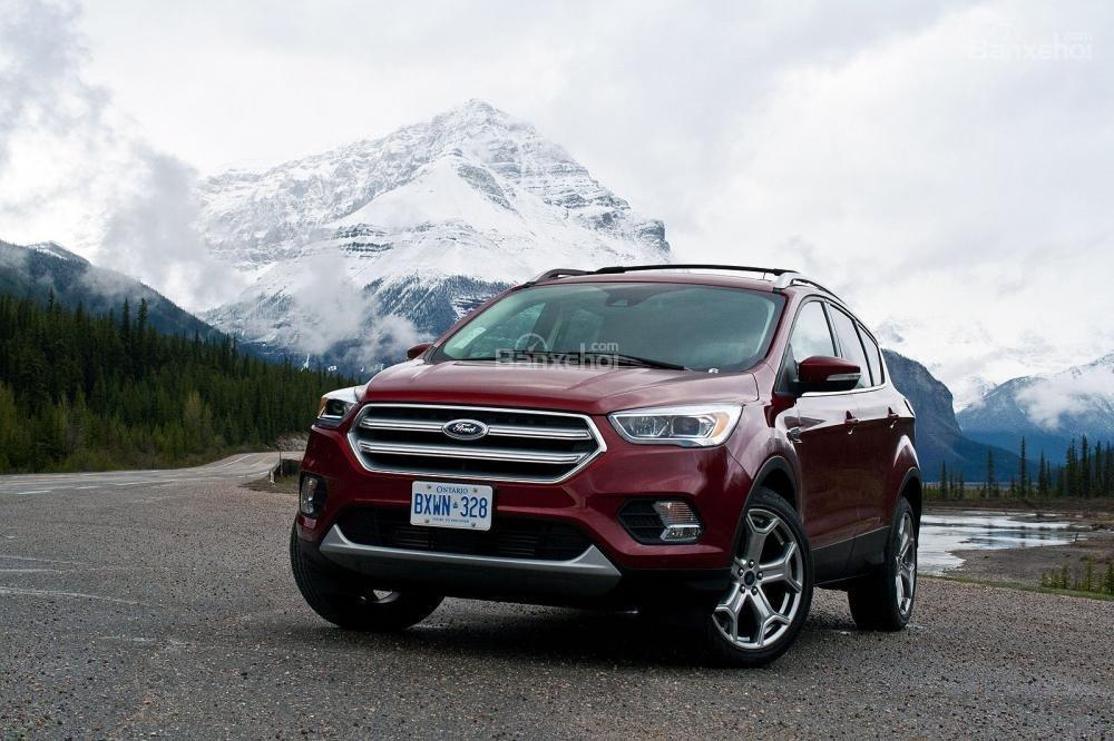 Ford Escape 2018 có động cơ khỏe nhưng mẫu mã chưa thực sự nổi bật