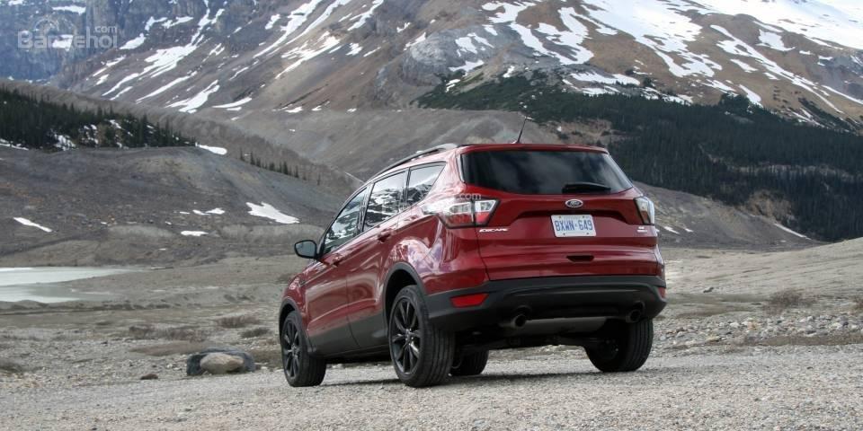 Bộ mâm 19 inch giúp Ford Escape 2018 di chuyển dễ dàng trên nhiều dạng địa hình