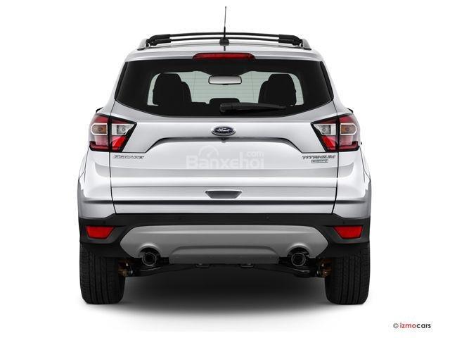 Đánh giá xe 2018 Ford Escape về thiết kế đuôi xe: 2 ống xả crom