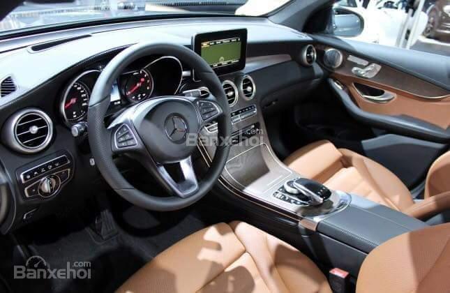 Bán Mercedes GLC 300 2019, siêu thể thao, ưu đãi cực hot-4