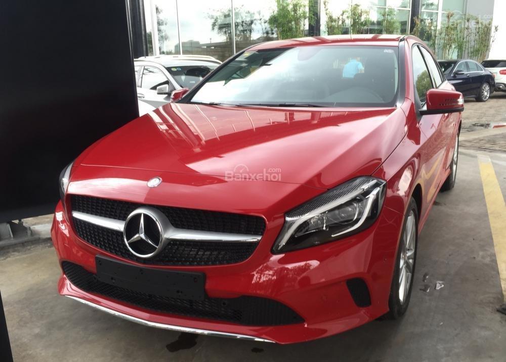 Bán Mercedes A200 2018 nhỏ gọn, nhập khẩu nguyên chiếc, ưu đãi cực hot (1)