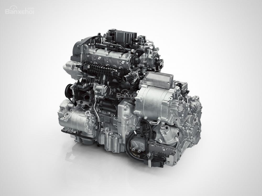 Volvo XC40 2018 mang đến cho khách hàng tùy chọn 3 loại động cơ xăng và 4 loại động cơ diesel