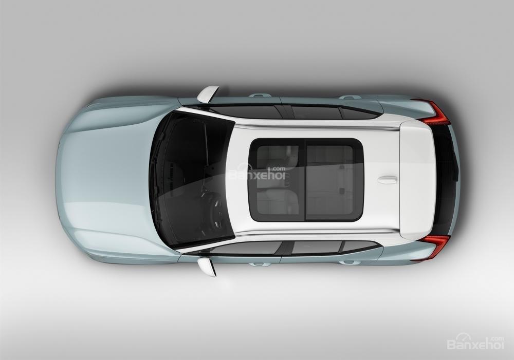 Cửa sổ trời paranomic của Volvo XC40 2018