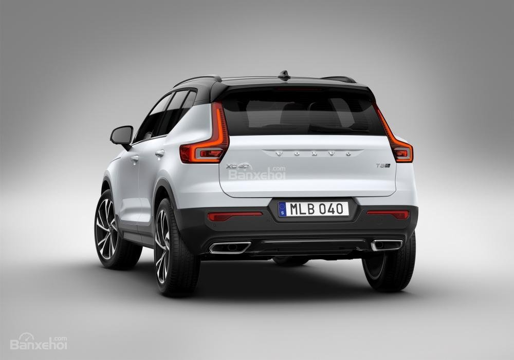 Đánh giá xe Volvo XC40 2018 về thiết kế đuôi xe: Ngôn ngữ thiết kế hiện đại, táo bạo