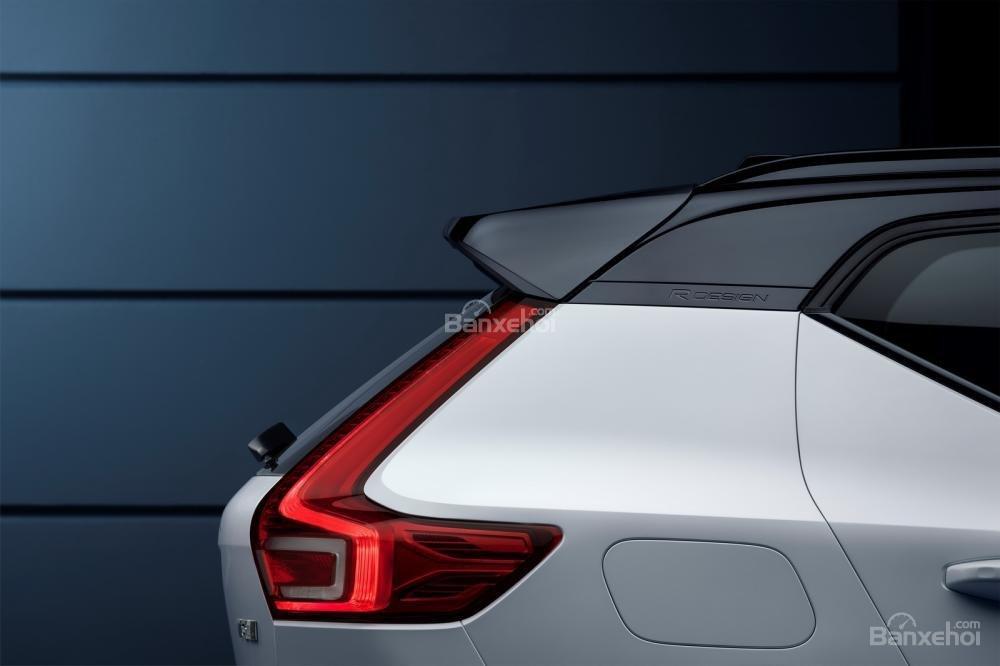Đánh giá xe Volvo XC40 2018 về thiết kế đuôi xe: Đèn hậu LED