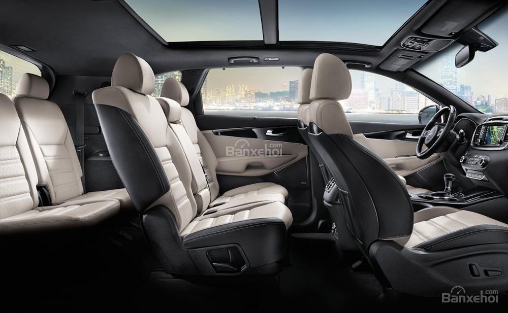 Đánh giá xe Kia Sorento 2018: Xe có 3 hàng ghế.