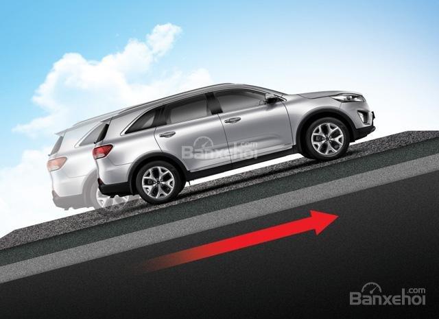 Đánh giá xe Kia Sorento 2018: Xe được trang bị nhiều tính năng an toàn.