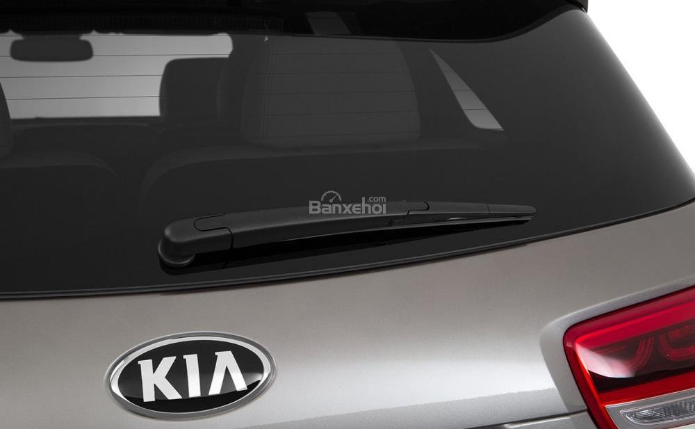 Đánh giá xe Kia Sorento 2018: Logo phía sau.