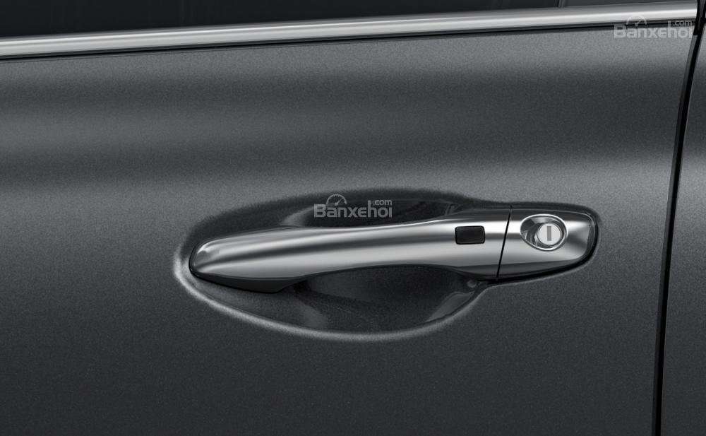 Đánh giá xe Kia Sorento 2018: Tay nắm cửa thiết kế nổi.