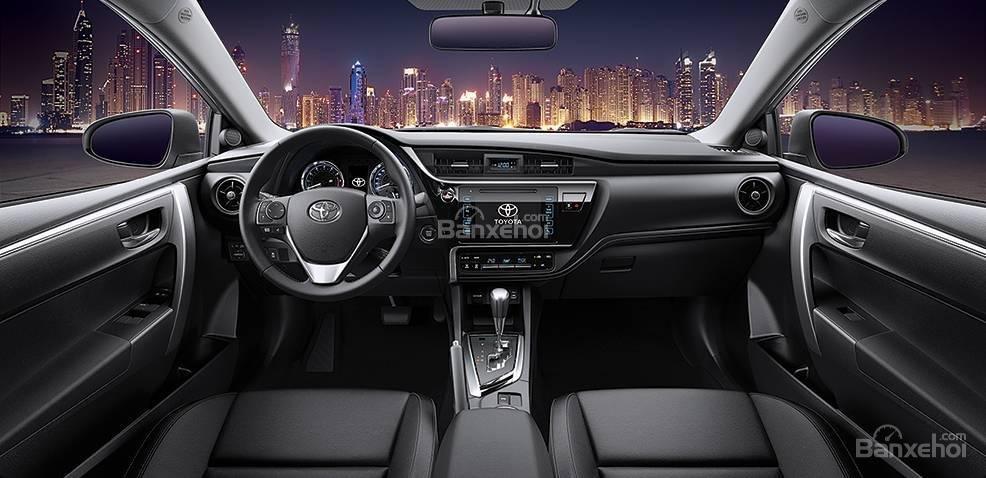 Đánh giá xe Toyota Corolla Altis 2017: Chất liệu nội thất tốt hơn phiên bản cũ.