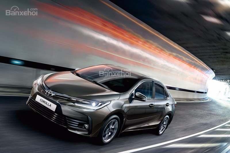 Đánh giá xe Toyota Corolla Altis 2017: Chế độ lái thể thao có trên tất cả các phiên bản.