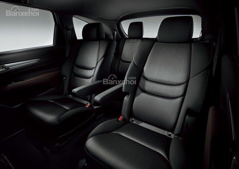 Đánh giá Mazda CX-8 2018 : Ghế ngồi thuyền trưởng ở hàng thứ hai