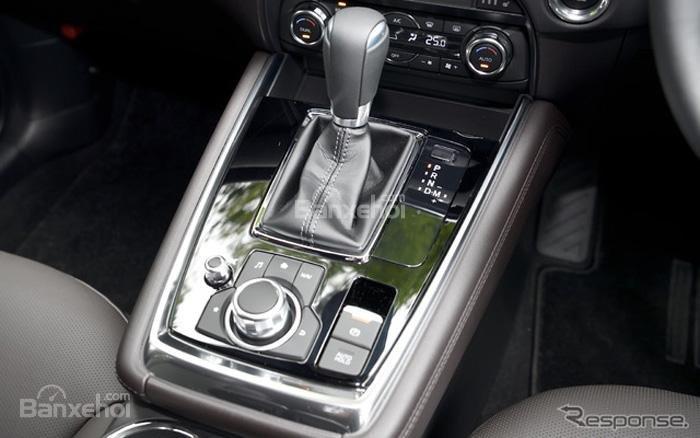 Đánh giá xe Mazda CX-8 2018 : Cần gạt số được đặt ngay chính giữa