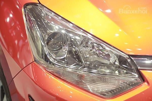 Ảnh chụp đèn pha xe Toyota Wigo mới
