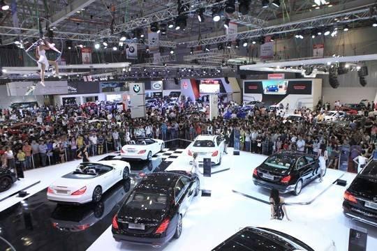 Giá ô tô sẽ còn giảm nếu sức mua không tăng a1
