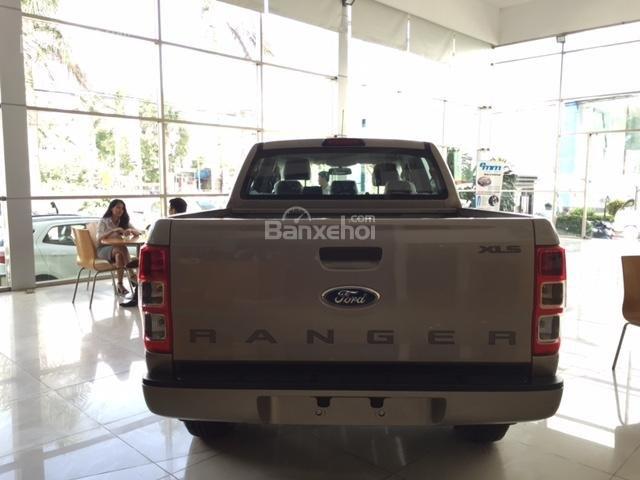 Ford Hưng Yên đại lý 2S bán xe Ford Ranger 1 cầu số sàn, số tự động giá chỉ từ 605tr, trả trước 130tr có xe lăn bánh (3)