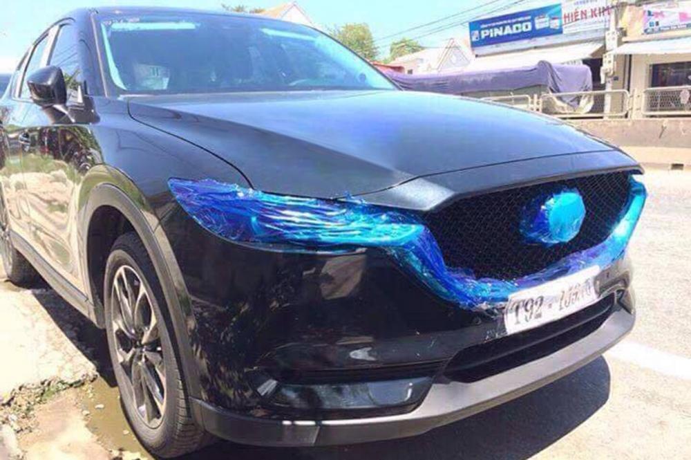 Mazda CX-5 2017 màu đen nhìn từ phía trước