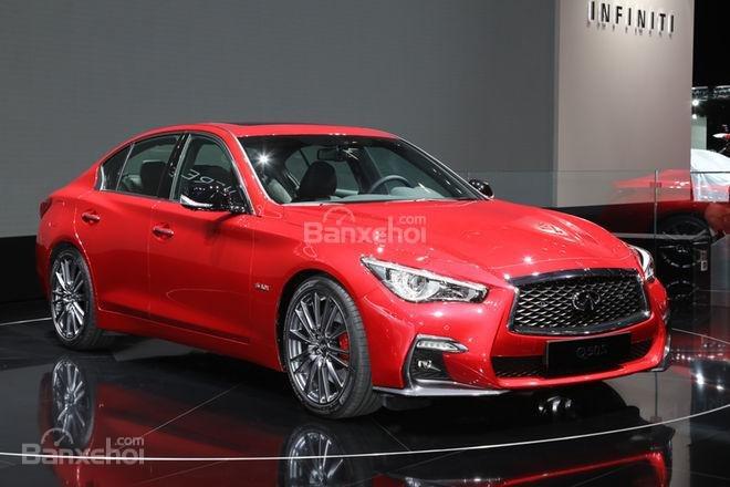 ô tô Infiniti Q50 2018 màu đỏ