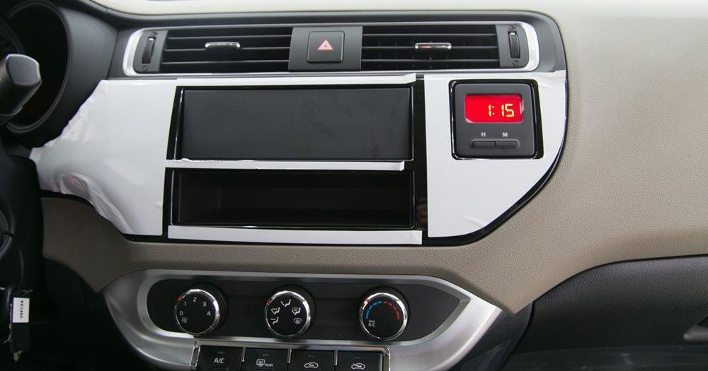 So sánh xe Honda City và Kia Rio về đồng hồ lái 3