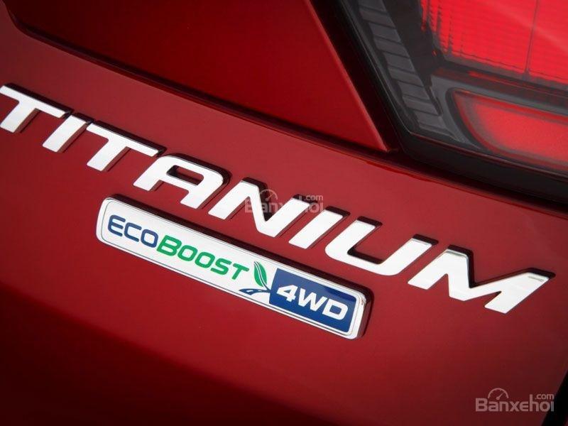 logo ecoboost trên Ford Escape 2017