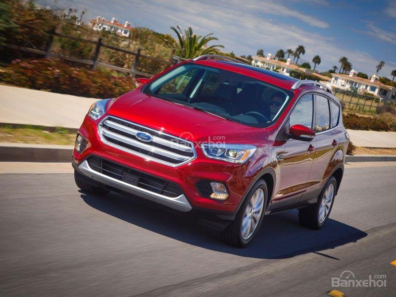 ô tô Ford Escapo màu đỏ góc phần tư thứ 1