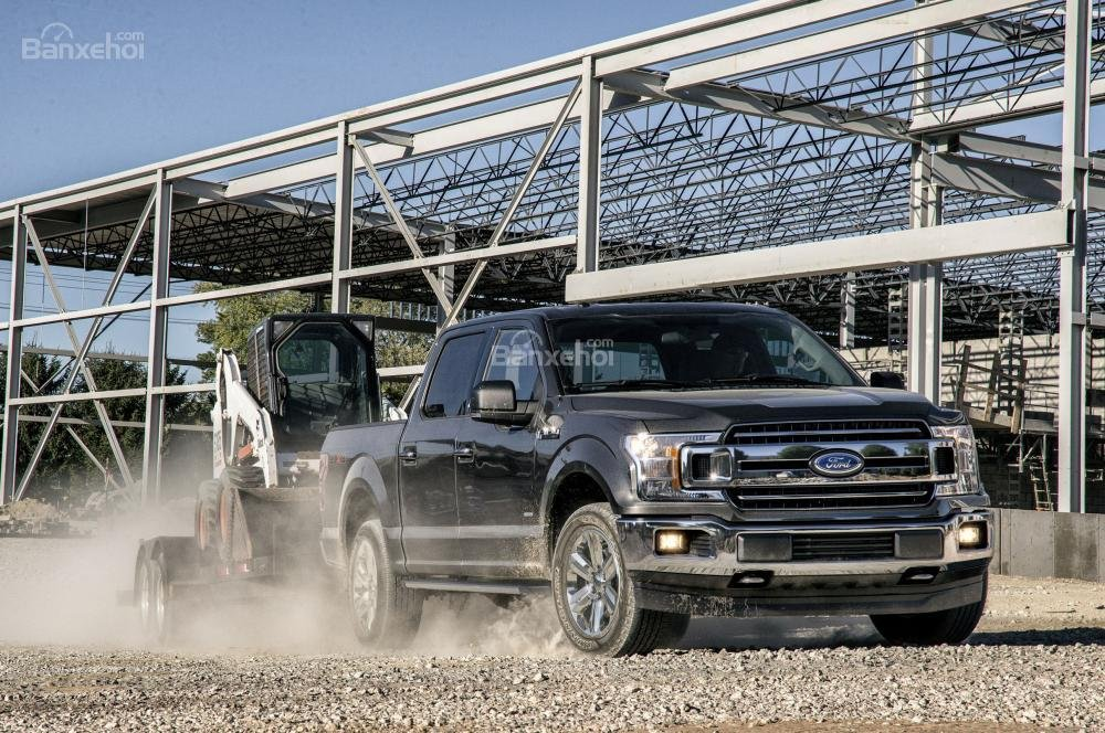 Ford F-150 2018 có khả năng xử lý uyển chuyển, mượt mà.