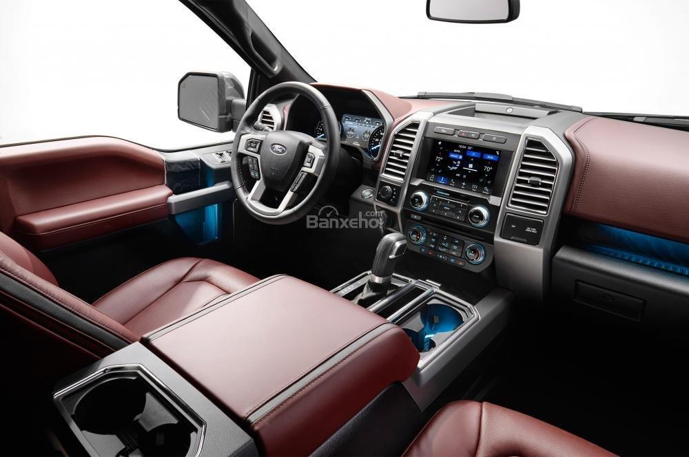 Ford F-150 2018 sở hữu khoang nội thất hiện đại, sang trọng mà rất tiện nghi a1