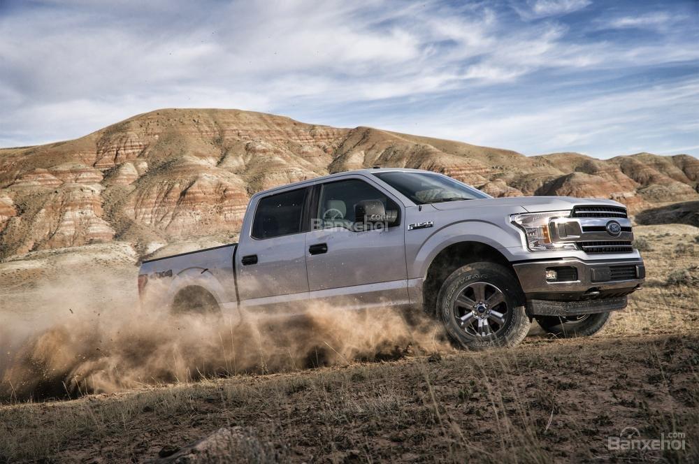 Ford F-150 2018 nhận được những kết quả khá ấn tượng từ IIHS và NHTSA.