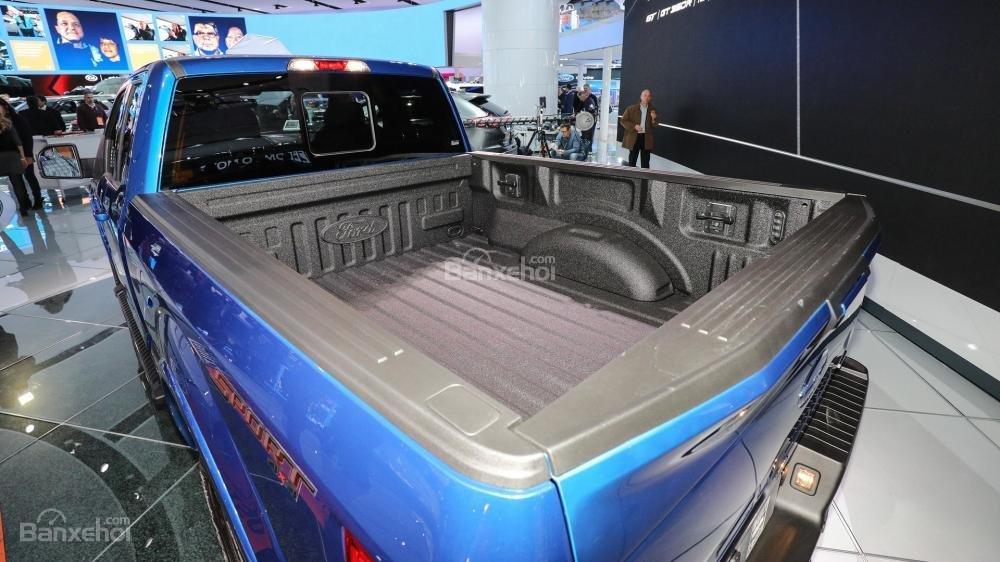 Đánh giá xe Ford F-150 2018 về thùng xe.