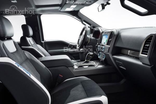 Ford F-150 2018 sở hữu khoang nội thất hiện đại, sang trọng mà rất tiện nghi a3