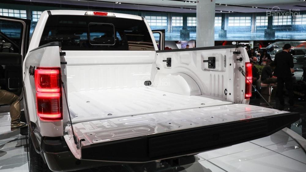 Thùng xe trên Ford F-150 2018 có 3 kích thước khác nhau.