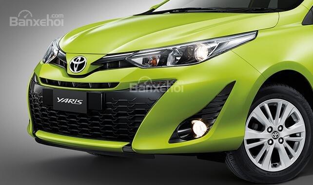 Đánh giá xe Toyota Yaris 2018: Lưới tản nhiệt rộng.