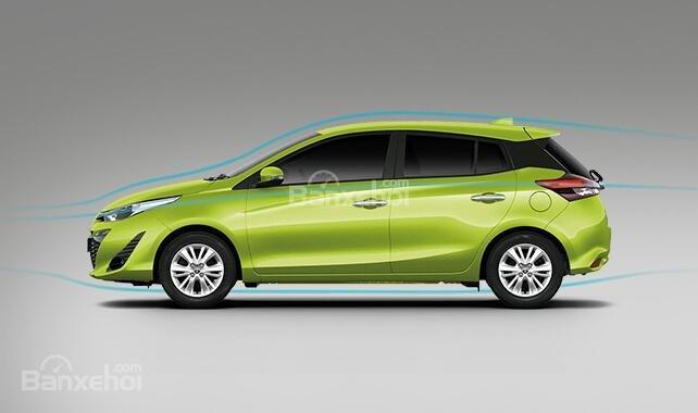 Đánh giá xe Toyota Yaris 2018: Thiết kế thân xe không có nhiều thay đổi.