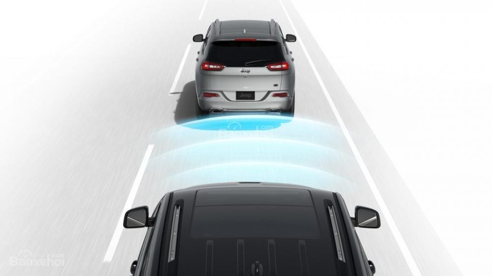 Jeep Grand Cherokee 2017 được ứng dụng hàng loạt công nghệ an toàn tiên tiến a3