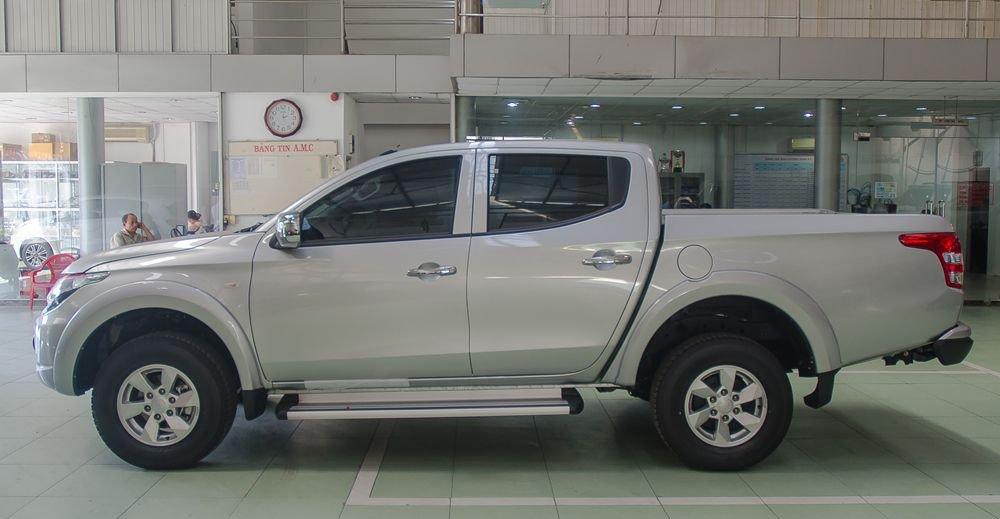So sánh xe Nissan Navara và Mitsubishi Triton về thân xe 2