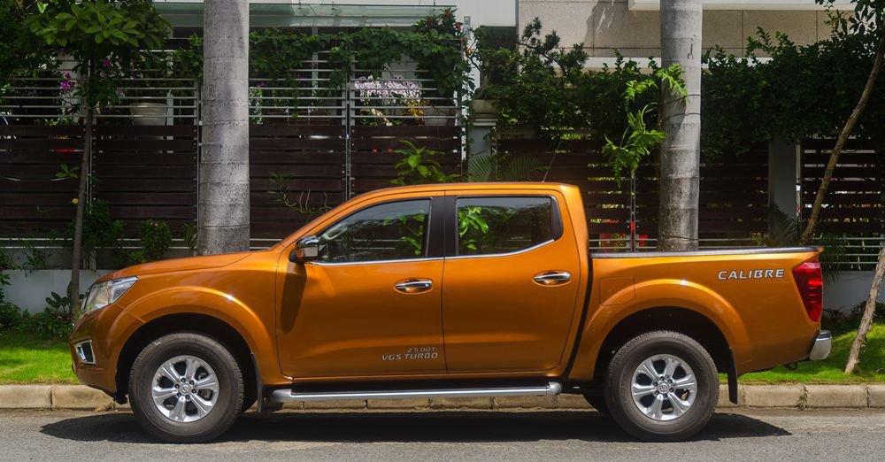 So sánh xe Nissan Navara và Mitsubishi Triton về thân xe.